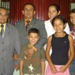 pastor Ribamar, Lindomar e sua familia