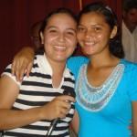 Paula e a líder de Mocidade da Congregação Monte Horebe