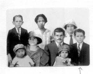 Familia Cohen (seta Pr. Armando Chaves Cohen ainda menino)