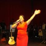cantora-vania-nascimento