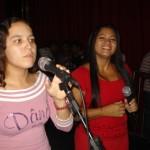 vocalistas-no-louvor-junto-com-a-cantora-railda