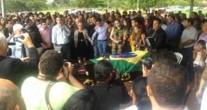 PALMAS: Senador João Ribeiro é enterrado com honras militares