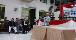 ARAGUATINS: Pr José Martins de Abreu ministra em culto de ensino.