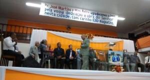 ARAGUATINS:  Em despedida Pastor de honra e esposa são homenageados
