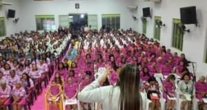 ARAGUAÍNA: Cantora Railda cumpre agendas em Confraternizações na cidade de Araguaína.