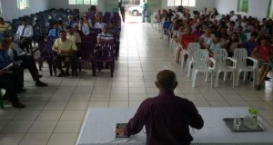 ARAGUATINS: Pastor José Ribamar ministra na EBD sobre o arrebatamento da Igreja.