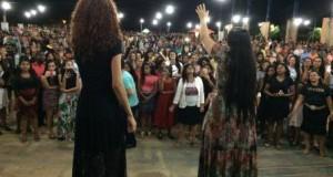 ARAGUATINS: Assembleia de Deus realizou grande evento com  a presença da Cantora Tangela.
