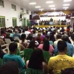 ARAGUATINS: Em noite de louvor e adoração fiéis se reúnem para ensino da palavra divina.