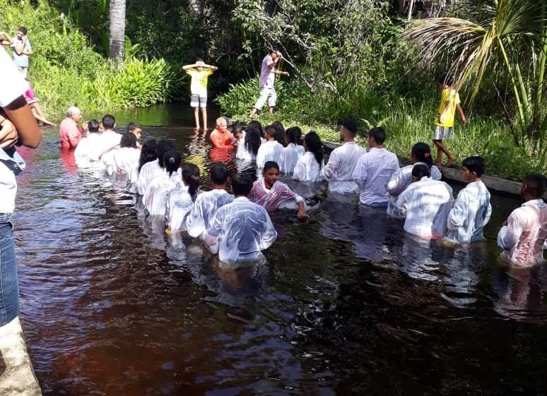 Batismo nas Aguas em Araguatins (1)