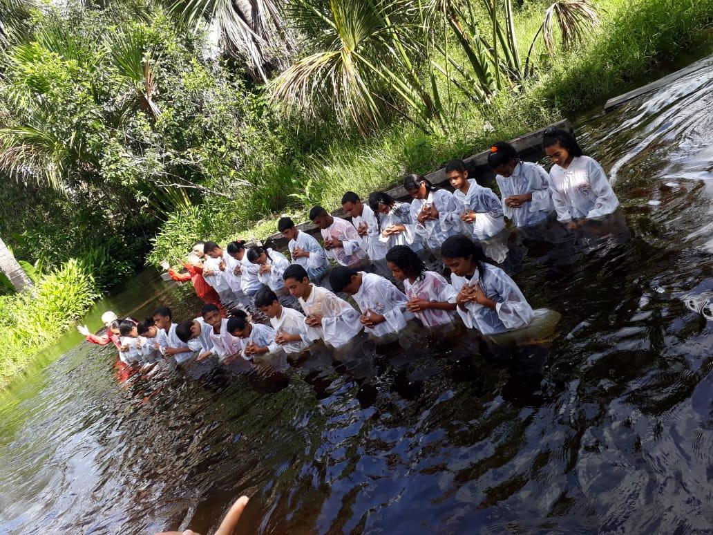Batismo nas Aguas em Araguatins (2)