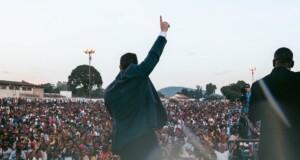 53 mil pessoas aceitam a Jesus em uma cruzada evangelística na Tanzânia